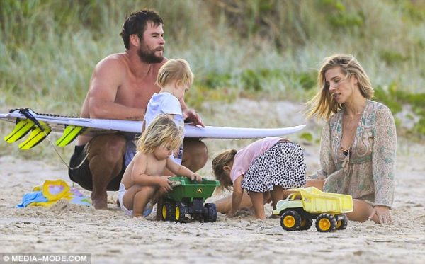 Chris Hemsworth with his wife and  three kids
